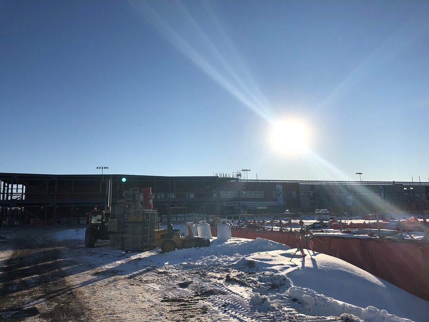 VIDÉOS – L'agrandissement du Collège Charles-Lemoyne va bon train à Sainte-Catherine