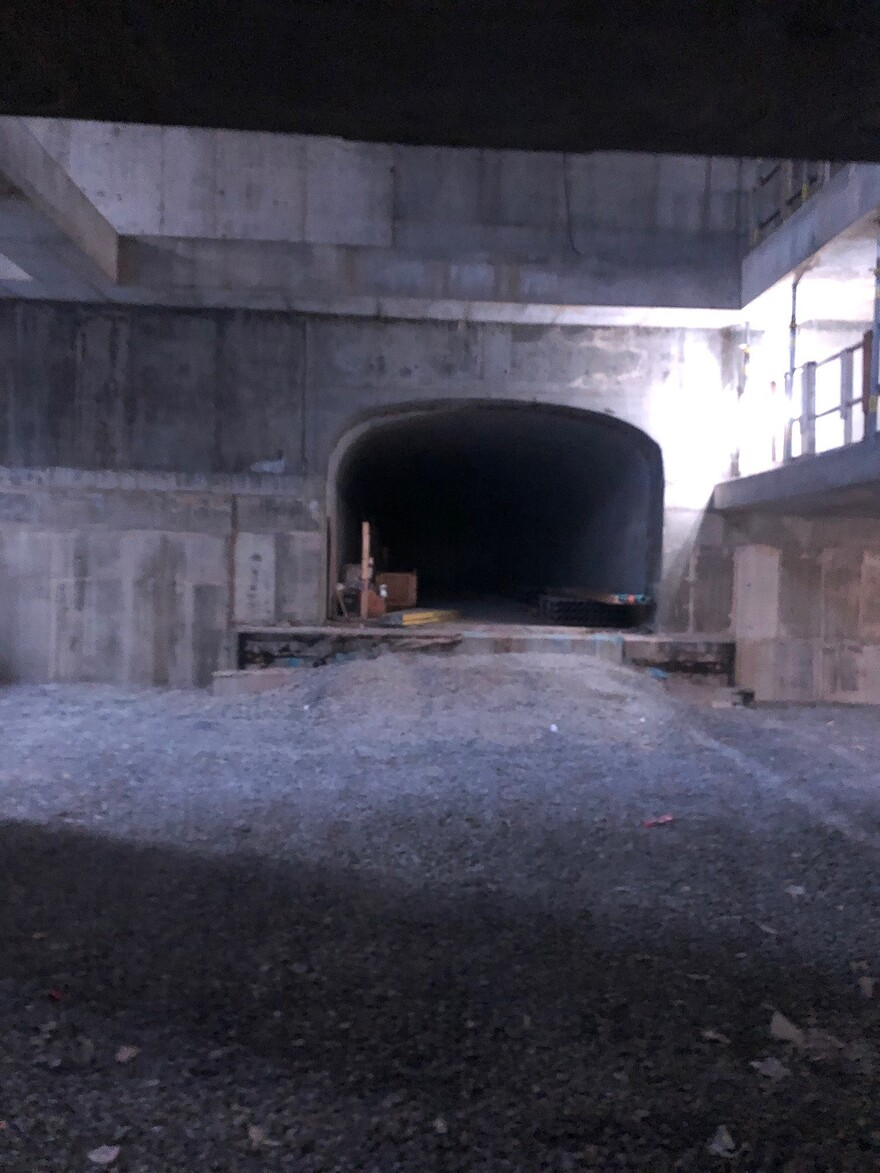 EM- Tunnel pour le metro